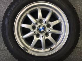 Komplektratas 7x15 ET47 5x120 BMW 1 182 608-12 205/60R15 91H Pirelli P2500 Euro